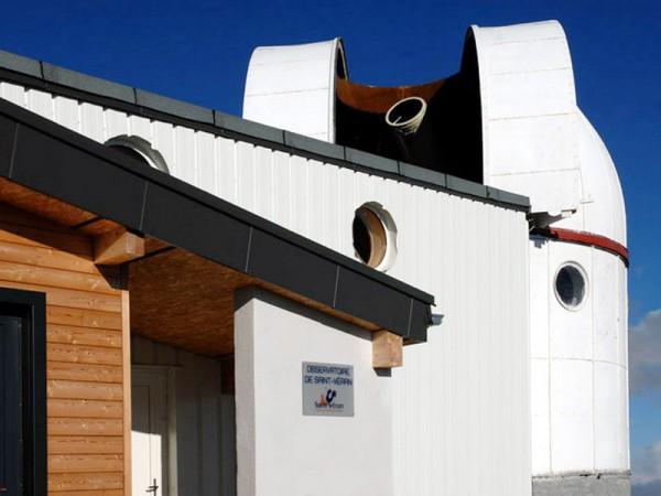 La coupole du télescope de 620 mm